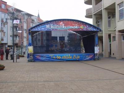 exteriérové pódium